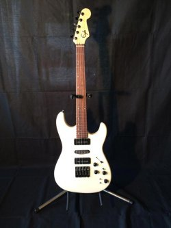 Eyb 5 String Piccolo Bass